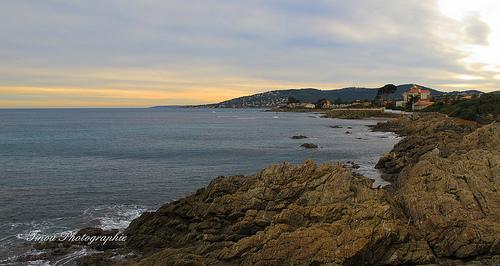 Fin de journée sur le rivage de Saint Aygulf by Tinou61