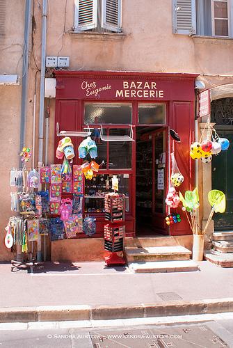 Typical Saint Tropez - Bazar Mercerie  par Belles Images by Sandra A.