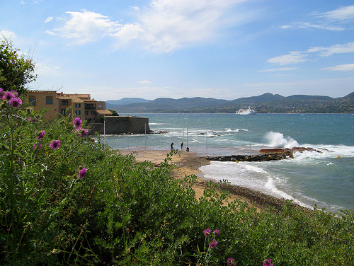 Joli vent sur la plage de la Ponche by myvalleylil1