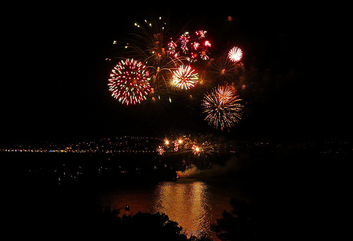 Feu d'artifice dans le golfe de Saint-Tropez by myvalleylil1