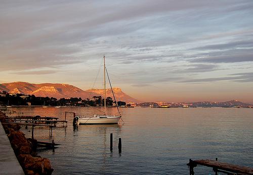 Le calme de la méditerranée by Charlottess