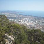 Vue sur Toulon, jusqu'aux îles d'Hyères. depuis le Mont Faron by  - Toulon 83000 Var Provence France
