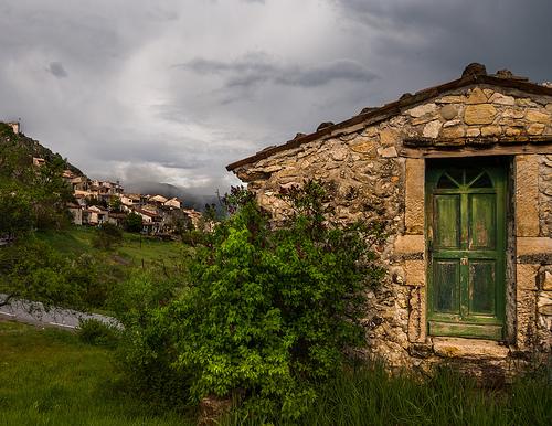 Trigance, juste après l'orage par Hervé D.