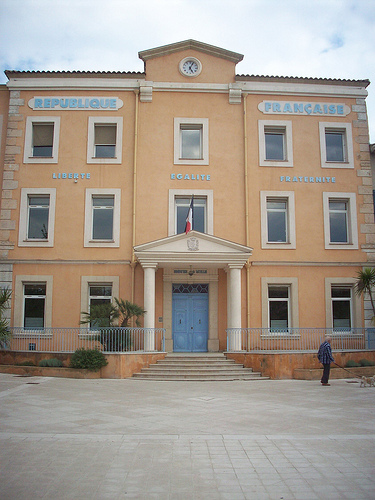 Hôtel de Ville, Vidauban, Var. par Only Tradition