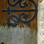 Porte médiévale - La mue par krissdefremicourt - Ansouis 84240 Vaucluse Provence France