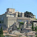 Le château qui domine Ansouis by  - Ansouis 84240 Vaucluse Provence France