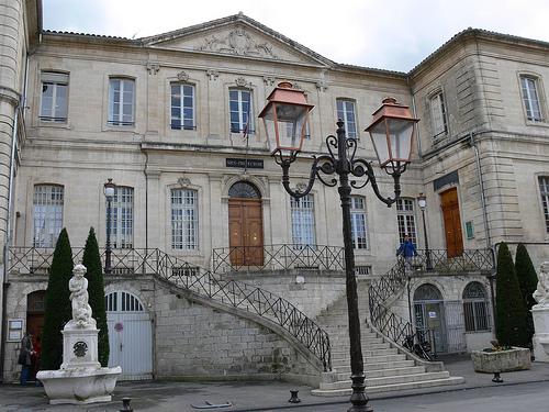 Sous-préfecture d'Apt by Jean NICOLET