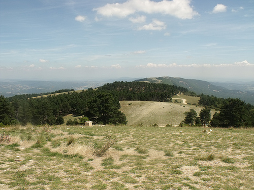 View from Mourre Nègre over Grand Luberon ridge par george.f.lowe