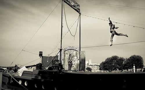 Cirque fluvial - Festival d'Avignon 2015 by deltaremi30