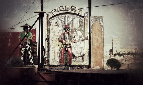 Piglet circus - péniche - Festival d'Avignon 2015 by deltaremi30