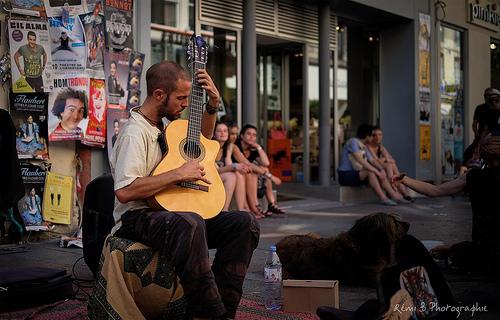 Festival d'Avignon 2016 en chansons by Rémi Avignon
