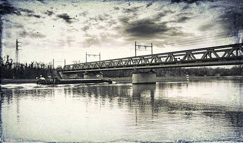 Rhône & bateau par Rémi Avignon