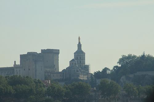 Avignon : Notre-Dame des Doms domine la ville par gab113