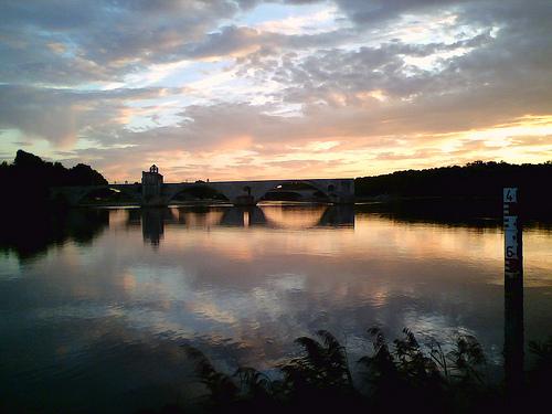 Le Pont d'Avignon sur le Rhône by skorpio66