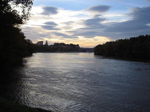Le Rhône et le Palais des Papes @ sunset par Hélène_D