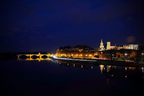Vue de nuit sur Avignon - Heure bleue avignonaise par Boccalupo