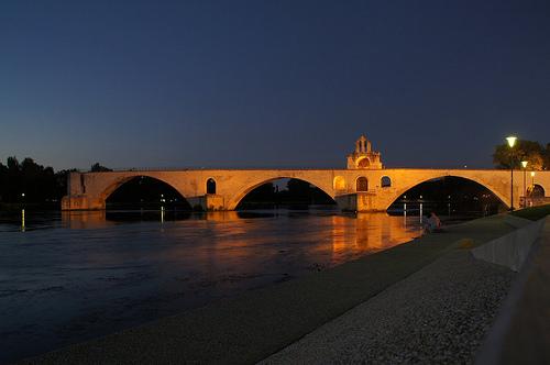 Sous le pont d'Avignon by . SantiMB .