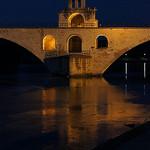 Lumière dans l'heure bleue par . SantiMB . - Avignon 84000 Vaucluse Provence France