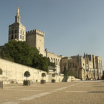 L'imposant Palais des Papes d'Avignon par  - Avignon 84000 Vaucluse Provence France