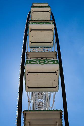 Ferris wheel Avignon par Pasqual Demmenie