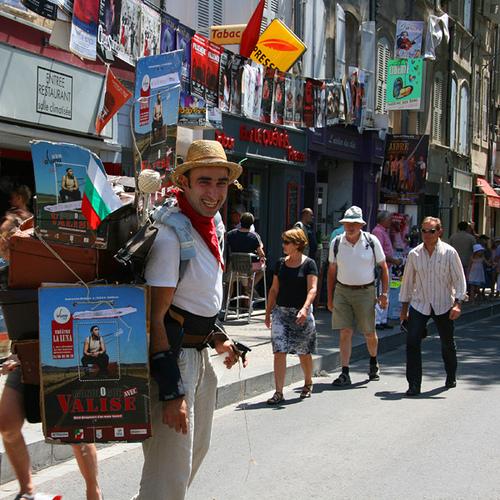 """Promo pour le spectacle """"Valise"""" au Festival d'Avignon by CouleurLavande.com"""