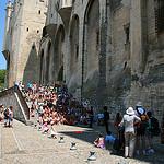 Festival d'Avignon au pied du palais des Papes by CouleurLavande.com - Avignon 84000 Vaucluse Provence France