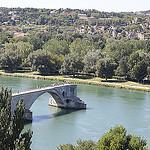 Le Pont d'Avignon... qui s'arrête en plein milieu par  - Avignon 84000 Vaucluse Provence France
