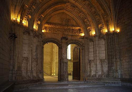 Palais des Papes entrée de la Grande audience by Karschti