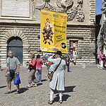 Avignon pendant le Festival 2012 by Massimo Battesini - Avignon 84000 Vaucluse Provence France