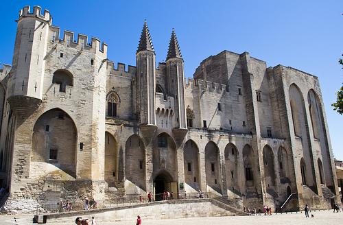 Avignon - Palais des Papes by spanishjohnny72