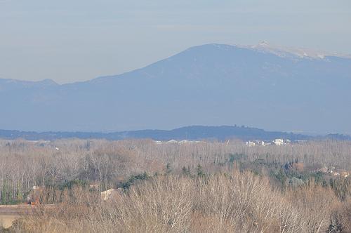 Le Mont Ventoux vu depuis Avignon par byb64