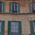Les fenêtres, rue Gérard Philippe par byb64 - Avignon 84000 Vaucluse Provence France