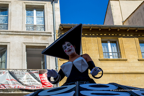 Festival d'Avignon... street parade by alalchan
