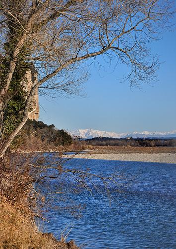 Au loin, les Alpes - Durance by Charlottess