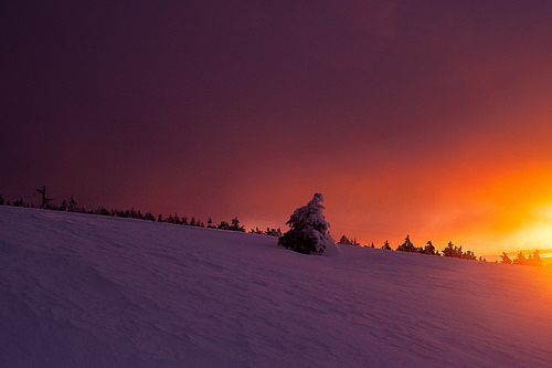 Le soleil embrase le Ventoux by Tramontane - Renaud Danquigny Photographies