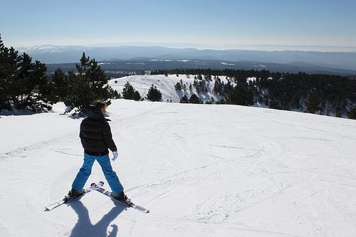 Ski au Chalet Reynard - vu des pistes vers la vallée par gab113