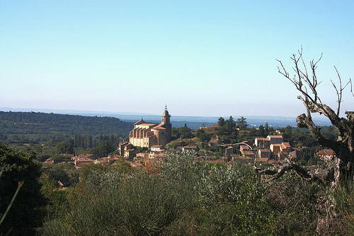 The village of Bédoin and his church par Sokleine