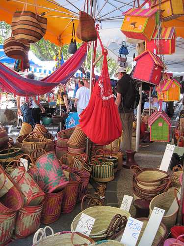 Baskets for sale on Bédoin market par Sokleine