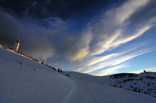 Le Sommet du Mont Ventoux enneigé par CharlesMarlow