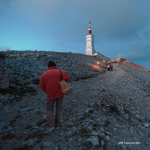 Feux de la Saint Jean au sommet du Mont Ventoux by jeff habourdin