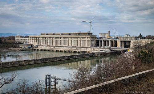 Usine hydroélectrique André-Blondel, pont et barrage by Rémi Avignon