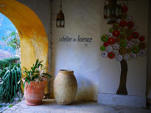 Dans le village de Brantes en provence by france pierre26
