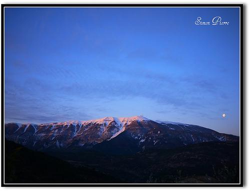 Le mont lunaire - Le Mont Ventoux by france pierre26