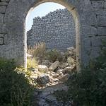 Fort de Buoux : porte ronde by MoritzP - Buoux 84480 Vaucluse Provence France