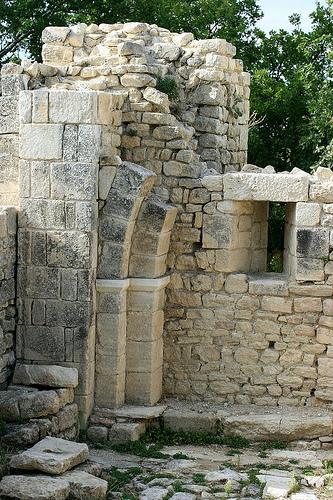 les ruines du Fort de Buoux par xhachair