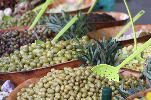 Marché à Caromb : olives par gab113