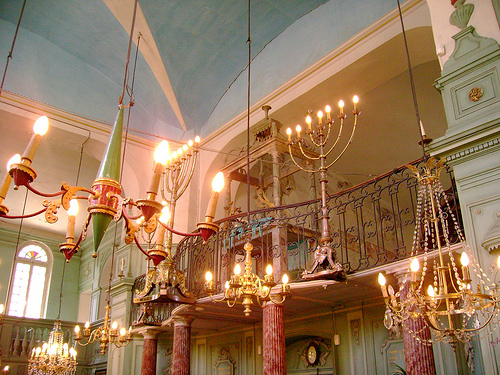 Intérieur de la synagogue de Carpentras by Klovovi