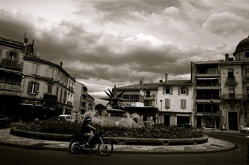 Rond point  à Cavaillon par bluerockpile