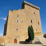 Château de Châteauneuf-du-Pape par Pierre Noël - Châteauneuf-du-Pape 84230 Vaucluse Provence France