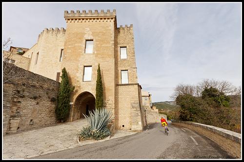 Village de Crillon le Brave - descente en vélo par Photo-Provence-Passion